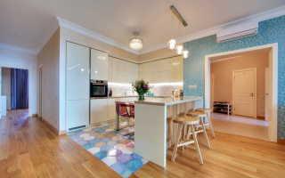 Как совместить плитку и ламинат на кухне