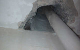 Как заделать дыру в потолке