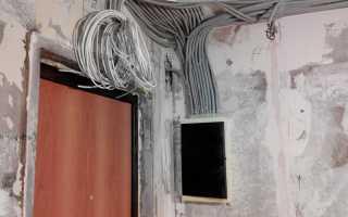 Нужна ли гофра для электропроводки по потолку