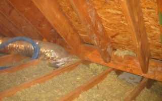 Как утеплить потолок в бане опилками